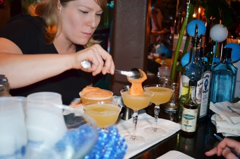 Kellie Thorn and her winning cocktail. Image courtesy Bombay Sapphire.